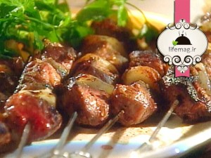 Marinated-Lamb-Kebabs-with-a-Chile-Yogurt-Sauce15