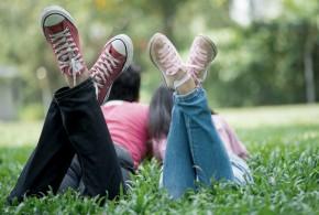 couple_grass