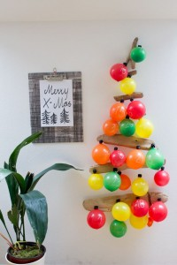 creative-advent-calendars-christmas-crafts-balloon-calendar